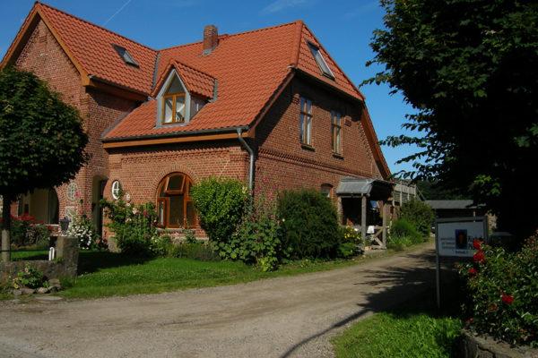 Gründung der Rüchel Plöhn GbR in der Dorfstraße in Holzbunge